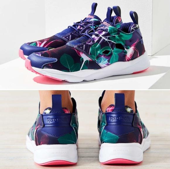 5df7f028cb1 Reebok Shoes